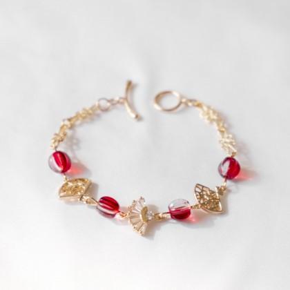 Oriental Fan in Red Bracelet